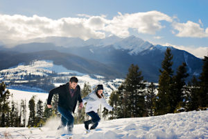 couple running in snow, proposal tip 1